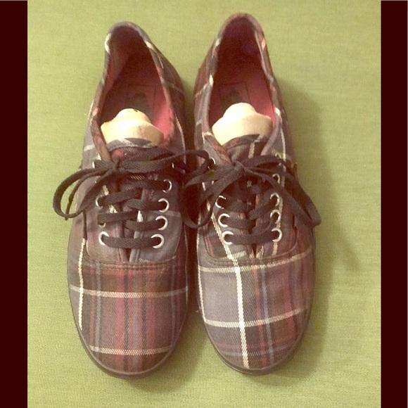 a95aeb42ba Vans Shoes - VANS Lo Pro - PLAID - Cyber Monday Sale